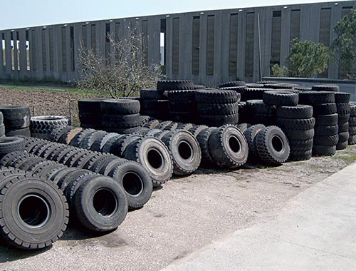 Earth moving tyre casings
