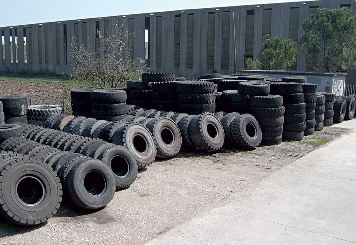 Industrial tyre casings